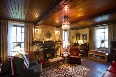 4-bunn-house-living-room